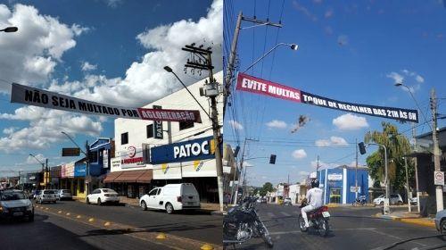 """Prefeitura desmente boato e afirma que colocou faixas de """"toque de recolher"""" nas ruas da cidade"""