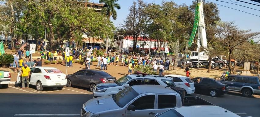 Ato cívico de 7 de setembro acontece na Praça Mello Peixoto em Ourinhos; confira imagens e vídeo completo