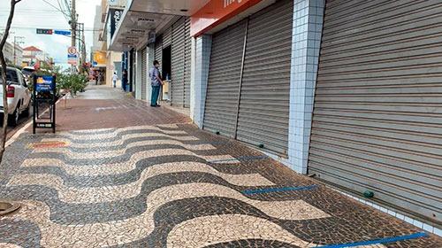 Prefeitura de Assis faz novo decreto proibindo abertura de comércio, restaurantes e bares a partir de quarta-feira