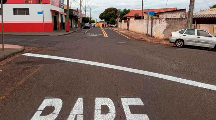 Trecho da Travessa Brasil passa a ser mão dupla e comerciantes e moradores protestam com abaixo-assinado