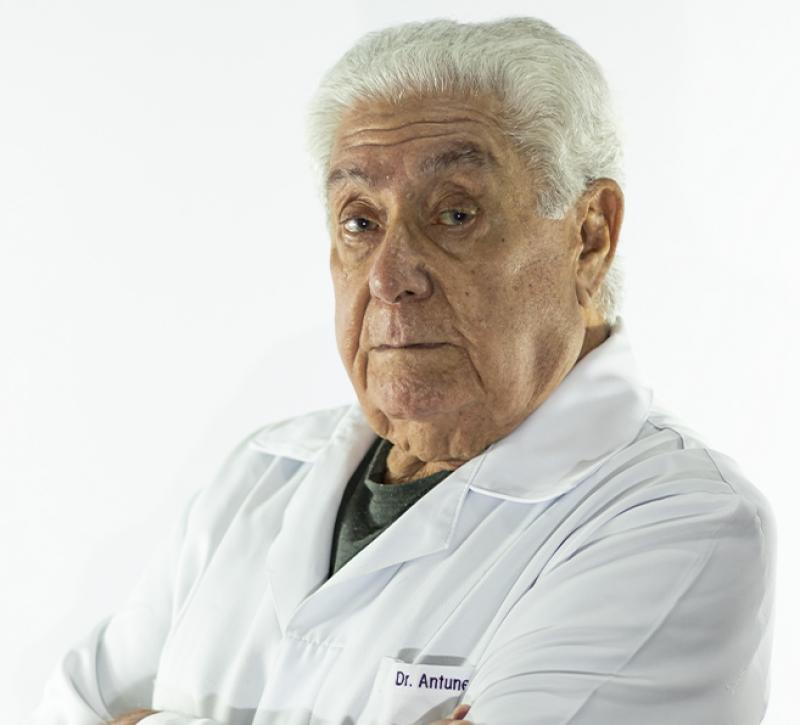Morre, aos 84 anos, o médico Carlos Antunes, fundador do NAIC Instituto do Câncer de Bauru
